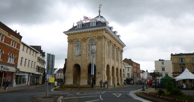Abingdon: Oxford's aggressive, ugly little brother that may stab you