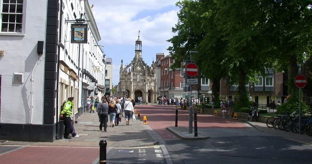 Chichester, the haven of snobs, fakes and shallow tossers!